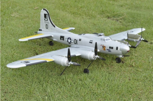 EasySky B-17 Flying Fortress 740mm - BNF or PNP - DSM2
